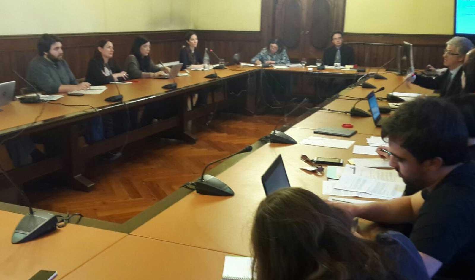 StopMM proposa al Parlament de Catalunya la creació d'un programa per a MENA i el finançament d'un corredor humanitari