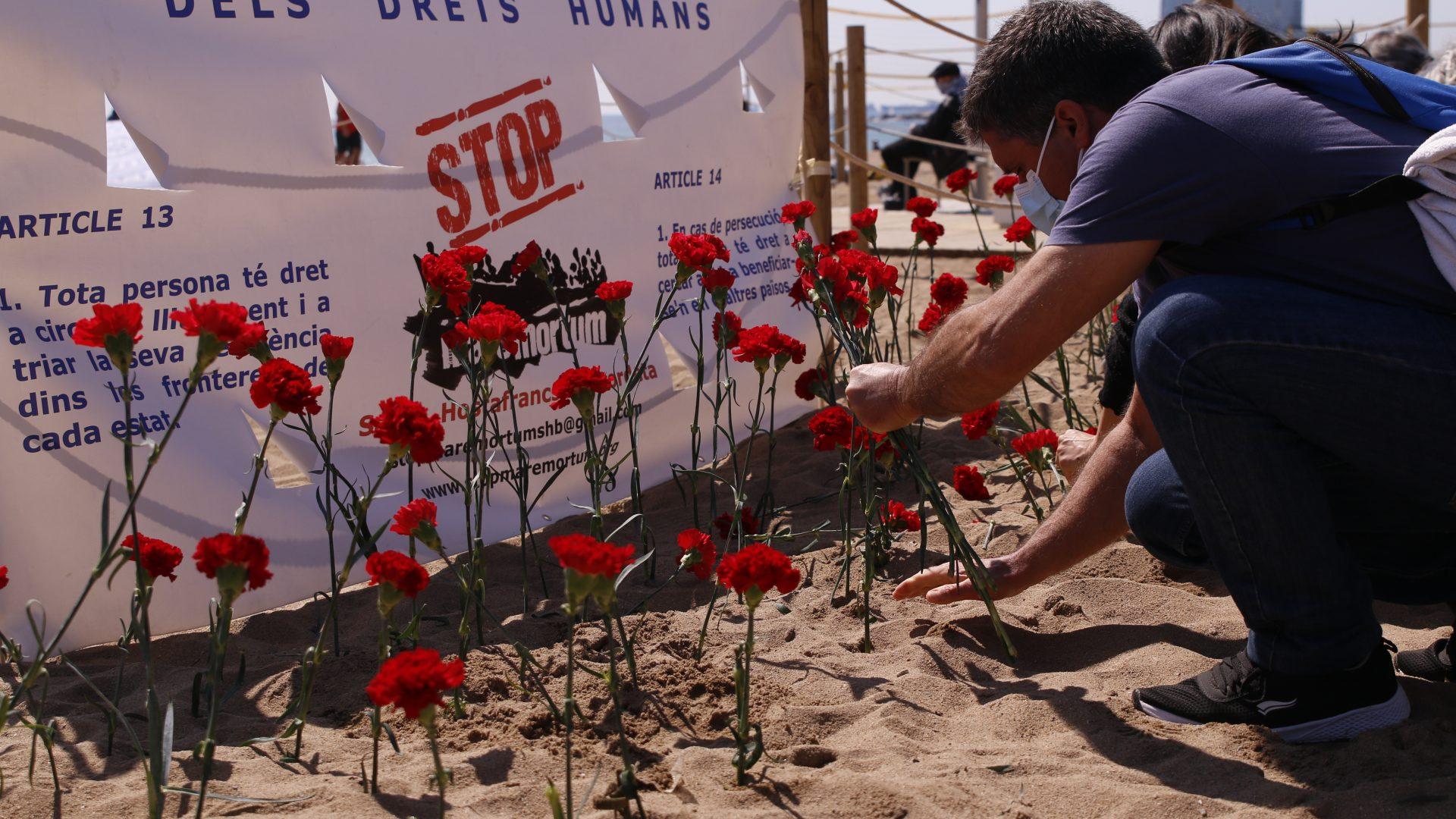 Acció de protesta pels milers de morts al mar al 2020